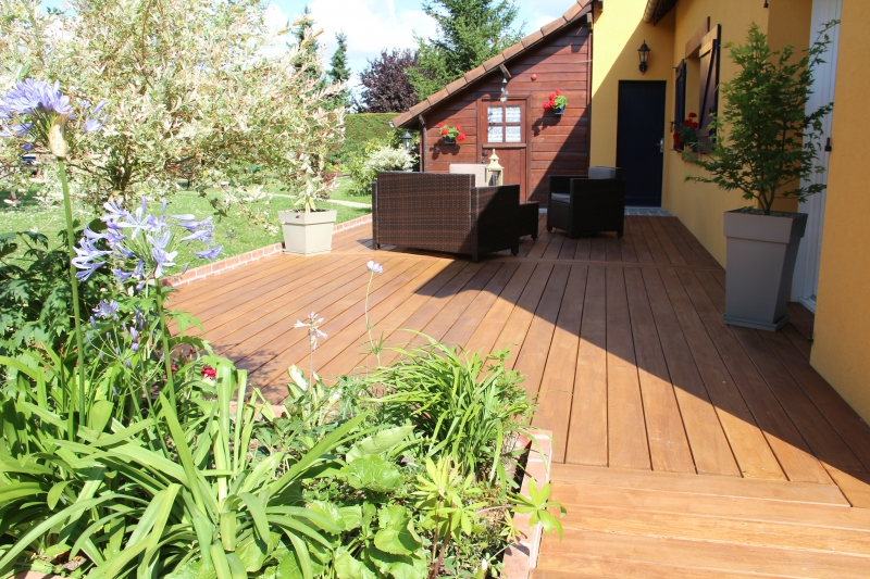 terrasse bois et karcher diverses id es de conception de patio en bois pour votre. Black Bedroom Furniture Sets. Home Design Ideas